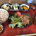マメゾウアンドカフェ - 秘伝タレポーク膳 ❤︎