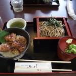 oshokujidokoroyamayoshi - 但馬牛ステーキ丼とざるそばのセット。大きさがわかると思いますが、やや大きめの飯碗くらいですね。
