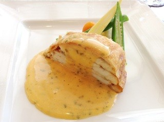 カフェ ド パリ - 【New!】スズキのパイ包み ソースショロン