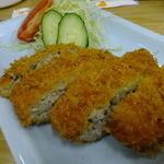 四ツ木製麺所 - マグロのメンチ