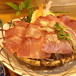 おまかせ料理まるやま - 天然鰤の刺身(800円)