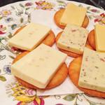 英国パブ シャーロックホームズ - チーズ&クラッカー