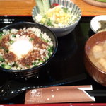 31490921 - 豚玉丼セット(サラダ、味噌汁、しゃくしな漬け)