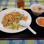 中国飯店 百嘉園 - レタスチャーハン  650円