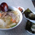 315197 - ランチ(五目麺とエゴマおにぎり2個)