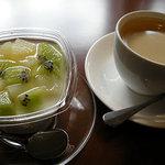 スポーティフ カフェ - 杏仁豆腐とコーヒー