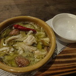ニクバル・プロベッチョ - 上ミノのアヒージョ580円、塩は別皿に。
