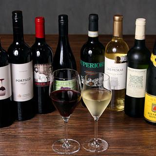 コスパワイン100種類を美味しい状態で♪ソムリエ3名常駐!