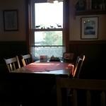 ランドカフェ - きれいな店内