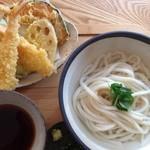 うどん日和 - 料理写真:秋冬メニュー 天ぷら湯だめうとん