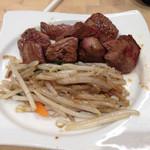 天神ホルモン - 料理写真:期間限定プレミアムステーキランチ。肉の旨みがない