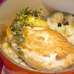 ブーランジェリーカフェ ラ・プロヴァンス - 鶏胸肉とキャベツ・栗・リンゴのココット