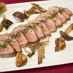 ブーランジェリーカフェ ラ・プロヴァンス - フランス産鴨胸肉のロースト 天然きのこ添え