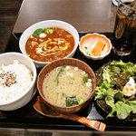 Dining二郎 - 国産牛すじのトロトロビーフシチュー定食