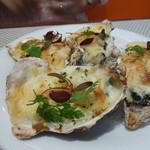 ビストロ ダイア - 牡蠣のチーズグラタン