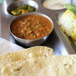 南インド家庭料理 カルナータカー - ロビア 黒豆のカレー
