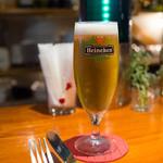 トラットリア・フランチェスカ - ハイネケン生ビール