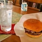 民宿とうろ駅前 - 料理写真:えぞしかバーガーセット(北海道限定のリボン シトロン)