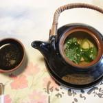 梅の花 - 松茸の土瓶蒸し