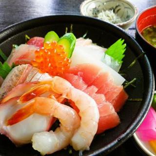 【オススメ】の一食堂の海鮮丼!