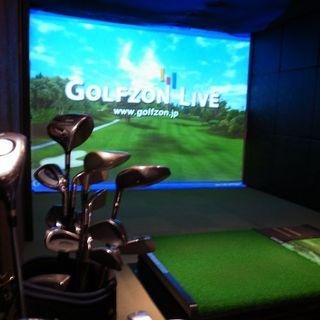 シミュレーションゴルフもご用意しております!