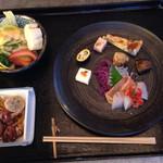 フラボン弐番館 - 料理写真:昼膳…前菜に冷製のタコとイカの煮物にサラダ
