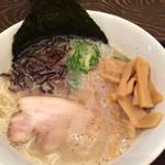 清勝丸 - 白豚骨ラーメン 780+無料トッピングのメンマ