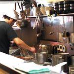 づゅる麺池田 - お店の方の対応がとても優しいのも印象的。