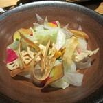 三間堂 - 七種の根菜サラダ