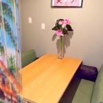チャオエムカフェ - 半個室のソファ席♪女子会やお子様連れのお客様にオススメです!