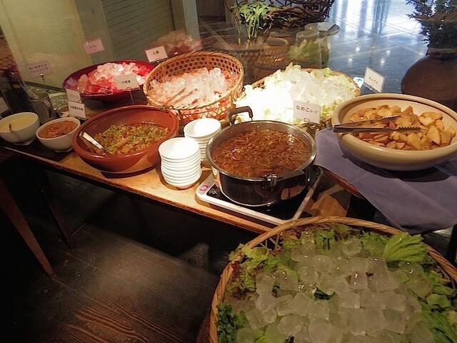 春秋 文化村通 - ランチの有機野菜食べ放題ZONE