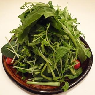 地元奈良県の野菜を中心に、素材にこだわります。