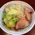 らーめん 陸 - 麺少なめ・野菜マシ(ヘタレな注文)
