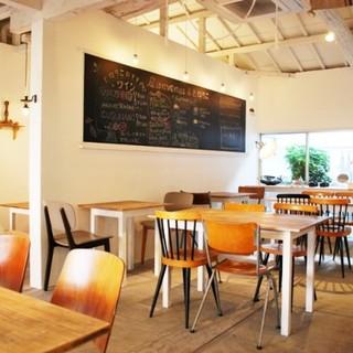 地元で愛される、心落ち着くカフェです。