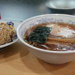 平和軒 - 半炒飯ラーメンセット@¥750