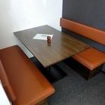 川越 藪蕎麦 - 4名用テーブル席が1箇所あります