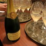 ケンズカフェ東京 - シャンパンで乾杯です!