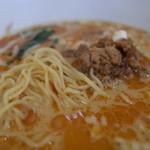 リヨン - リヨンの一之舟入(魏さん)プロデュースの担担麺の麺とスープの脂膜。(14.09)