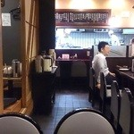 とり安 - 八重洲 とり安 @京橋 オープン厨房前のカウンター席・テーブル席・座敷席と全て揃えた店内