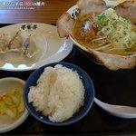 ラーメン屋 壱番亭 - 白味噌チャーシューメン+Bセット