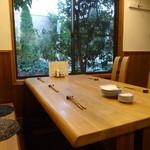 食堂ペスカバ - 6人テーブル席