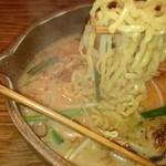31636024 - 彰膳 太い麺が特徴的ですね。fromグリーンロール