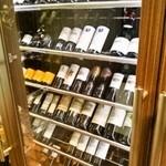 ステーキハウス 听 - 入店時に必見のワインセラー