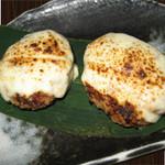 鶏つくねにんにく味噌モッツアレラチーズ焼き  480円(税別)