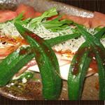 寄せ豆腐とちりめんジャコの四川風ピリ辛サラダ  540円(税別)