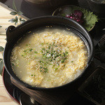 鶏雑炊 自家製鶏スープ使用 鶏つくね入り   580円(税別)