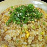 そぼろチャーハン(ミニ鶏スープ付き)  680円(税別)