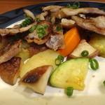 サンジャック - お肉の下に野菜と椎茸がいっぱい隠れてました
