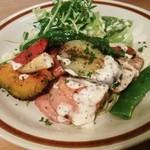 ボカロッカ - 吉備鶏のグリルと季節のお野菜とバジルスパゲティー950円♪