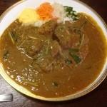 宝石 - ナンコツ入りポークカレー(ご飯半分肉多め)